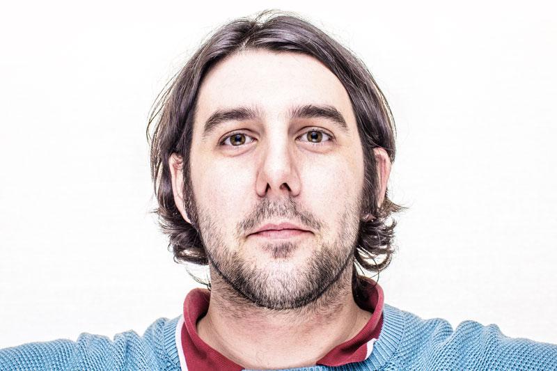 Portrait de Jérôme Bellon, photographe à Libourne, Bordeaux et Coutras